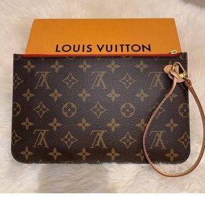 Louis Vuitton wallet/bag
